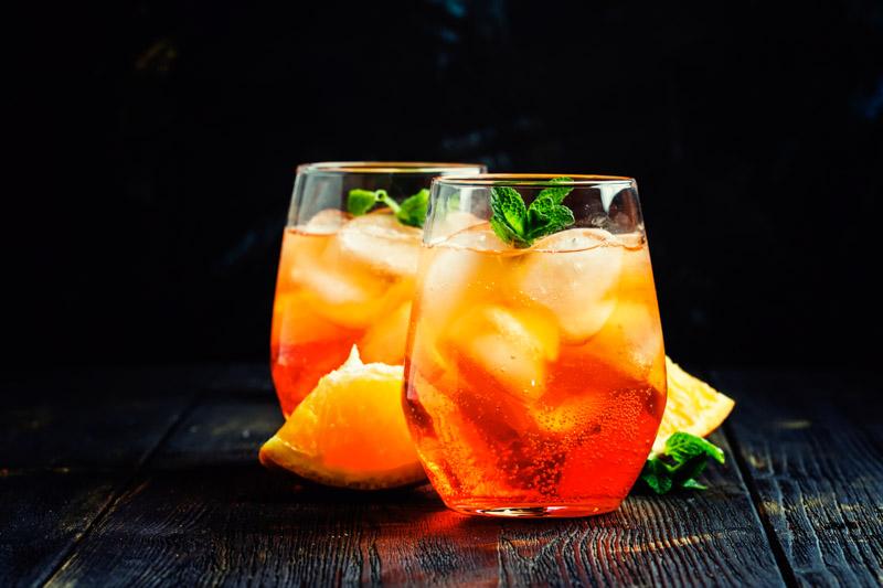 Fruchtig, frisch und leicht. Mit Traveschluck Aquavit ein echter Geheimtipp für heiße Tage und Gartenpartys.